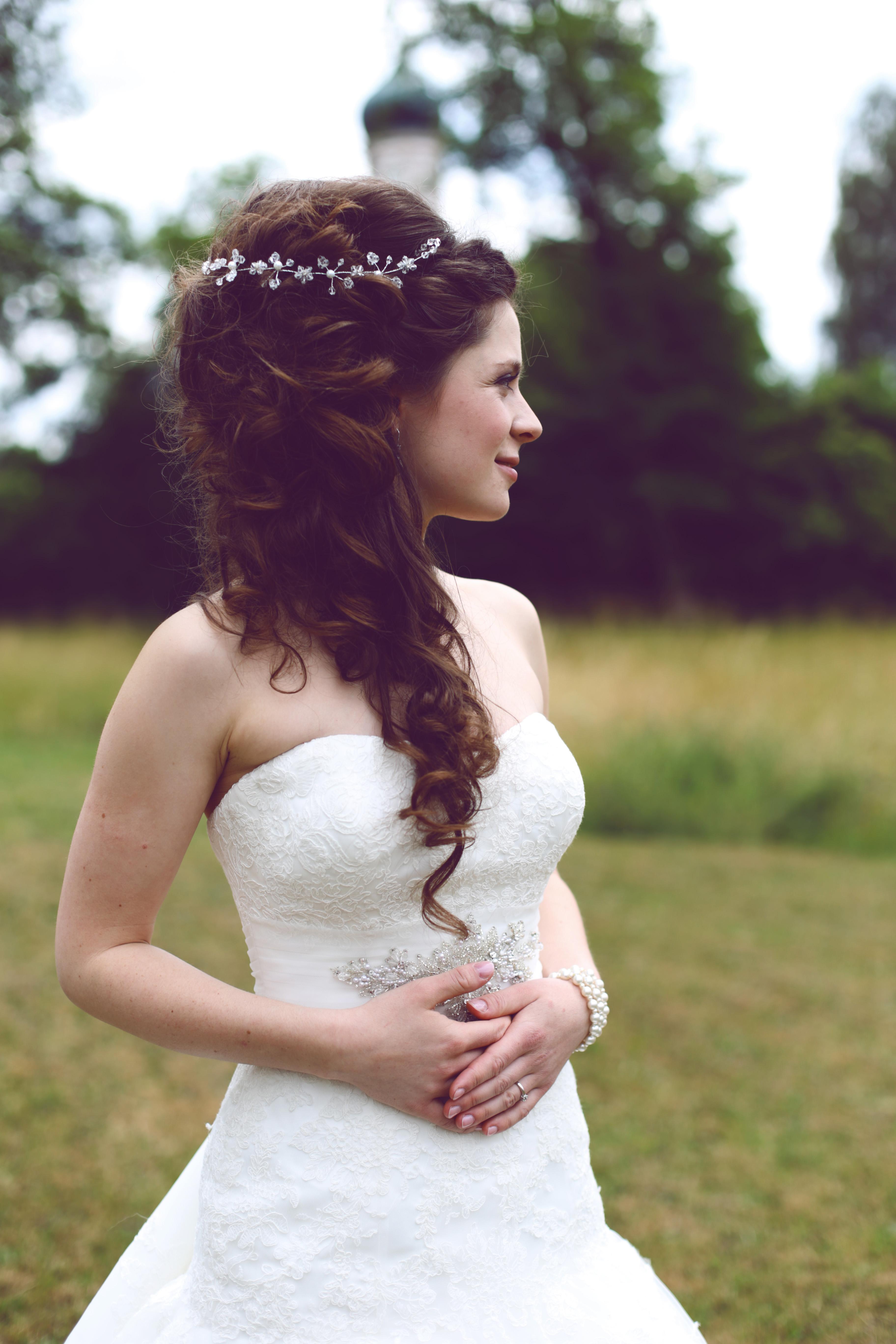 Brautfrisur Offen Mit Uppigen Locken Friseurmeisterin Und Make Up